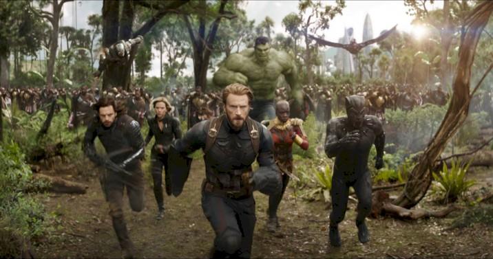 Imagem promocional mostra detalhes do novo uniforme do Capitão América em Vingadores 4